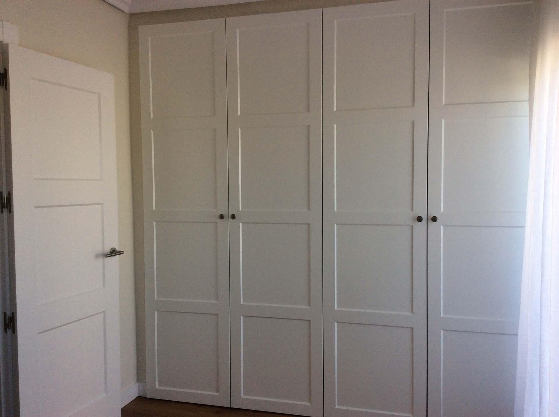 armario juego puerta paso