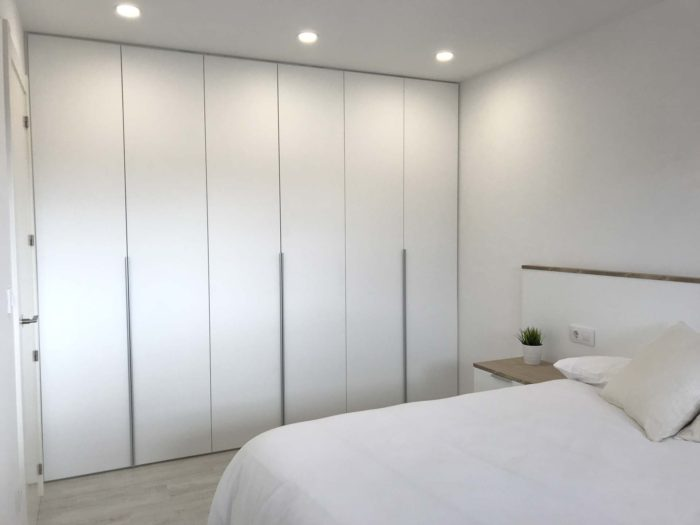armario medida minimalista blanco