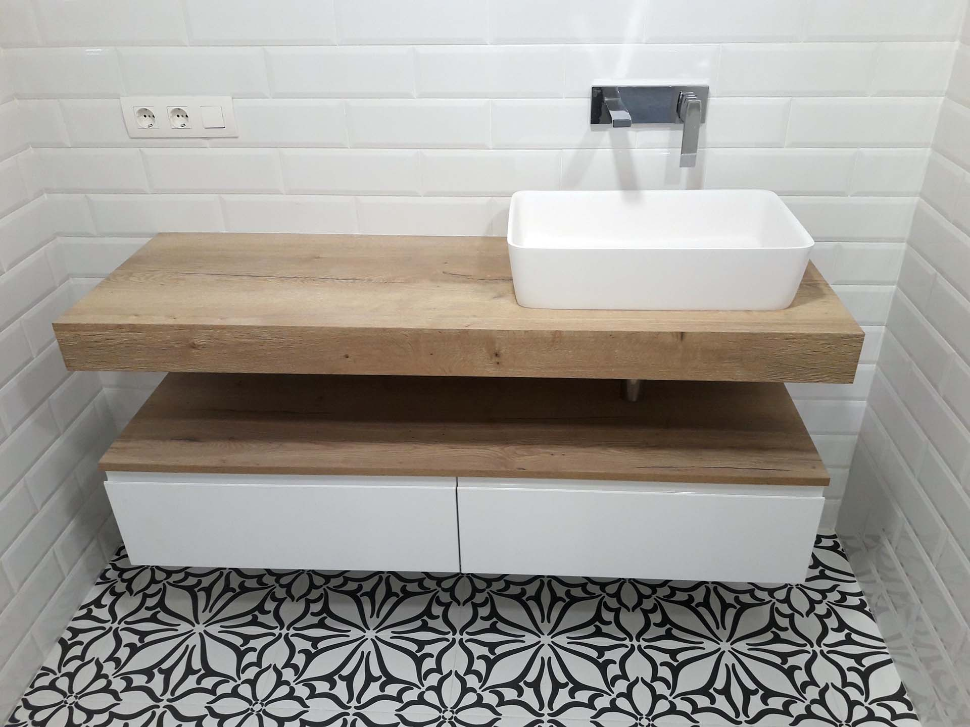 baño encimera ingletada madera