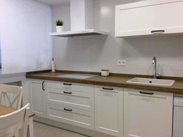 cocina clasica blanca madera