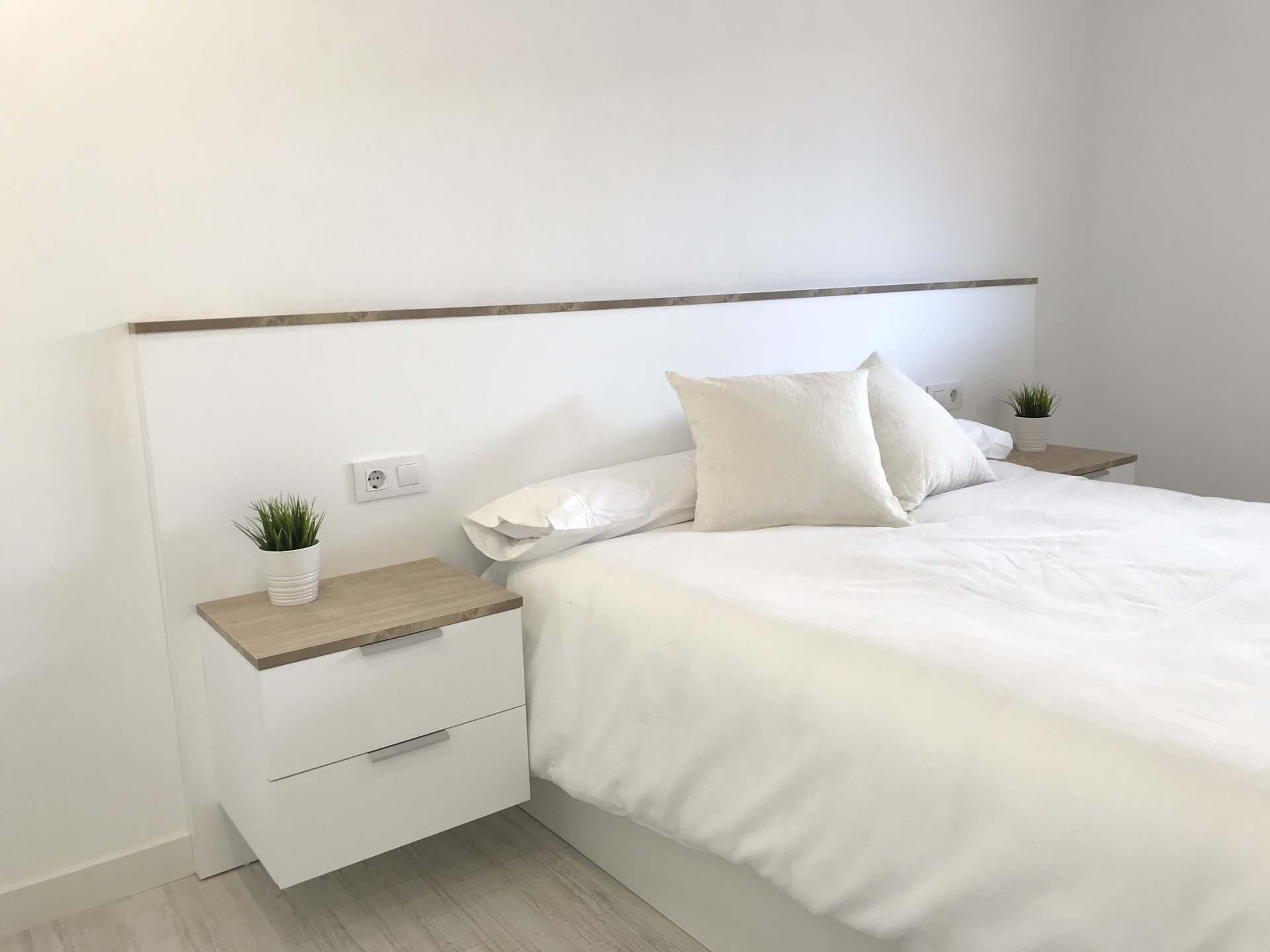 dormitorio cabecero mesilla mueble